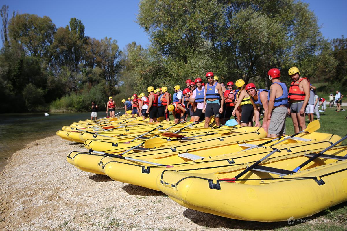 Team building games - Rafting race start