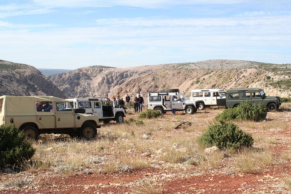 Jeeps above the Zrmanja river canyon