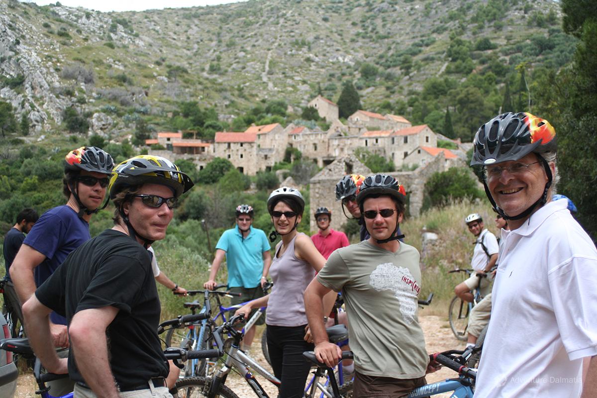 Biking near abandoned village Malo Grablje - Island Hvar