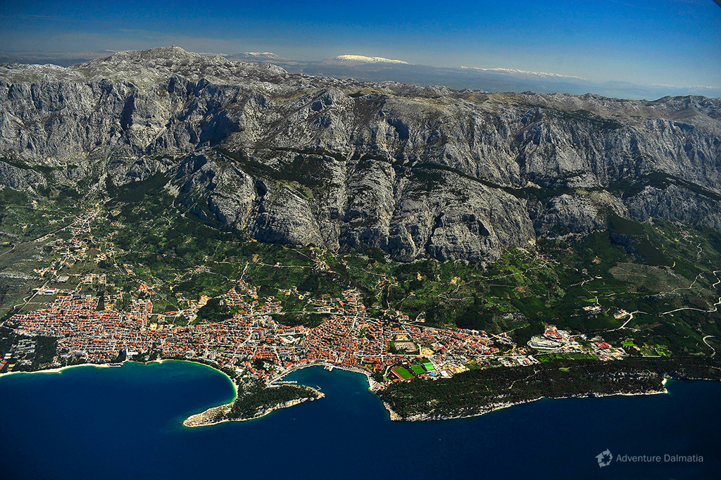 Makarska city is situated 30 min driving distance from Zadvarje village.