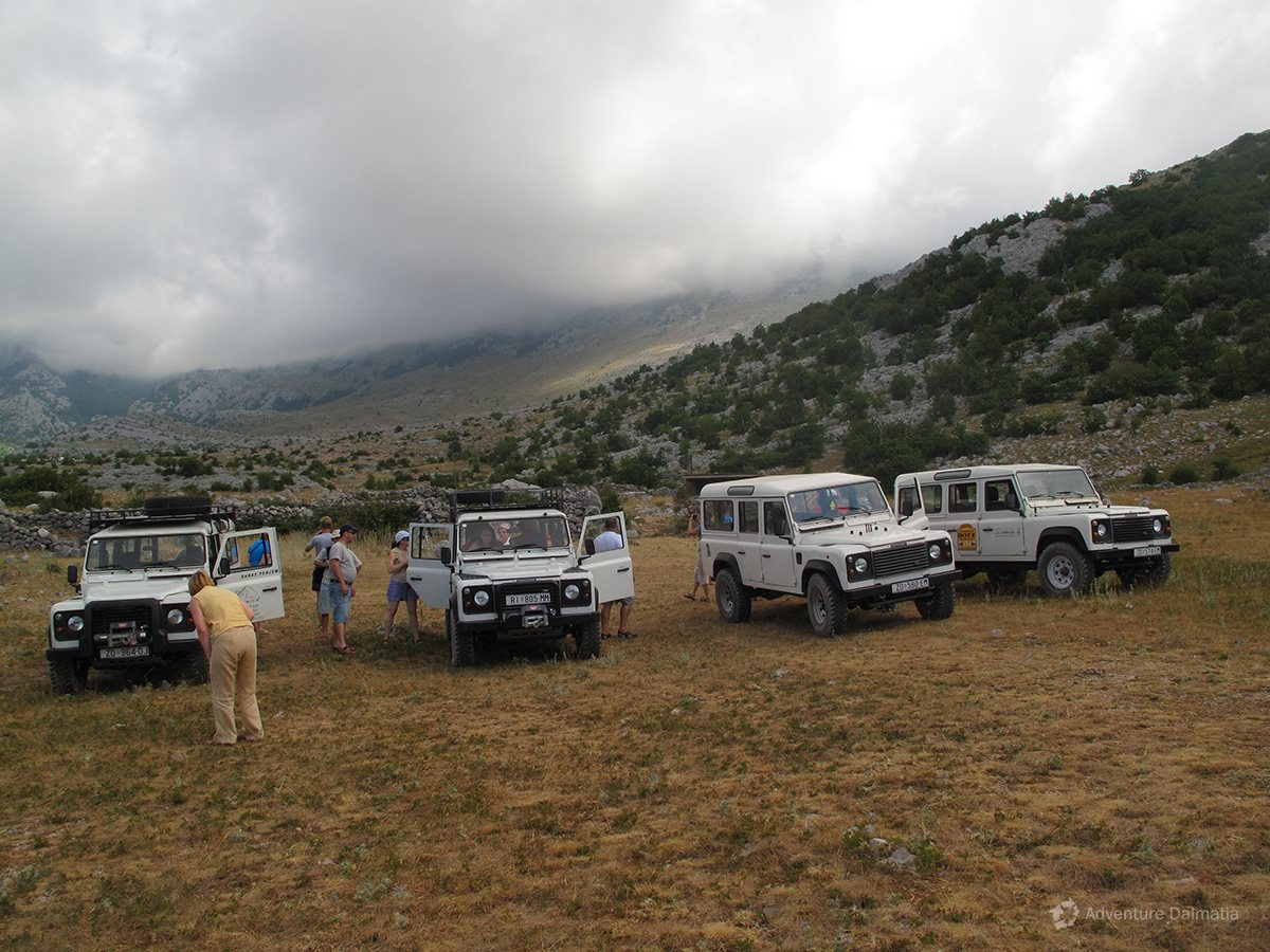 Our jeeps are suitable for a maximum of 6 people
