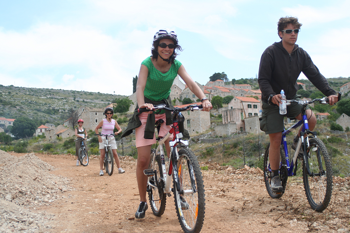 Biking to Milna - Island Hvar