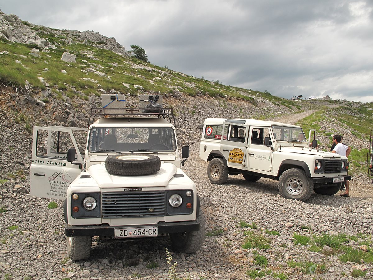 Defender jeeps