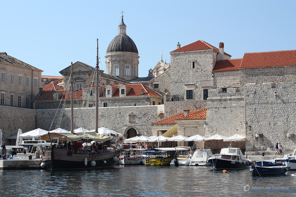 Old harbour of Dubrovnik - view from the kayak