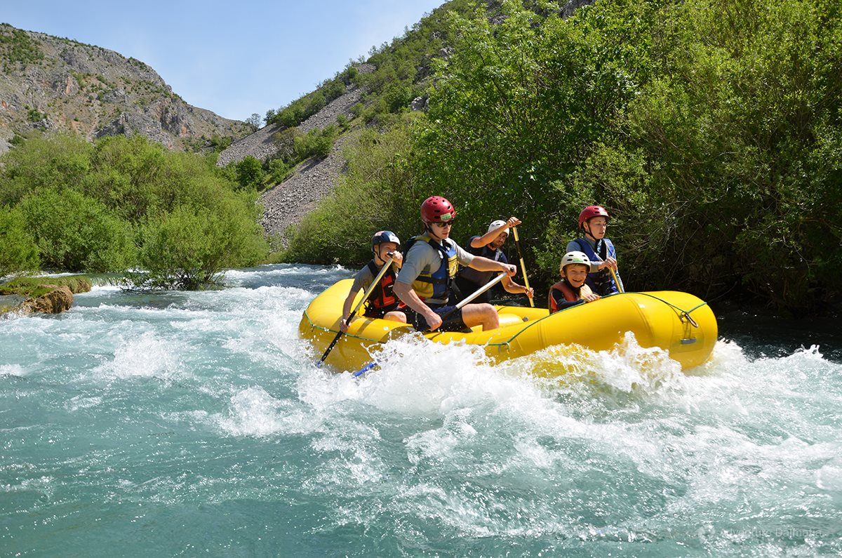 Zrmanja - rafting boats are for 8 people