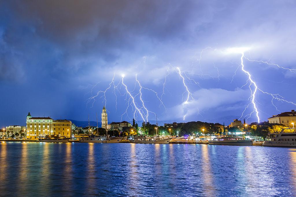 Split - Thunderstorm