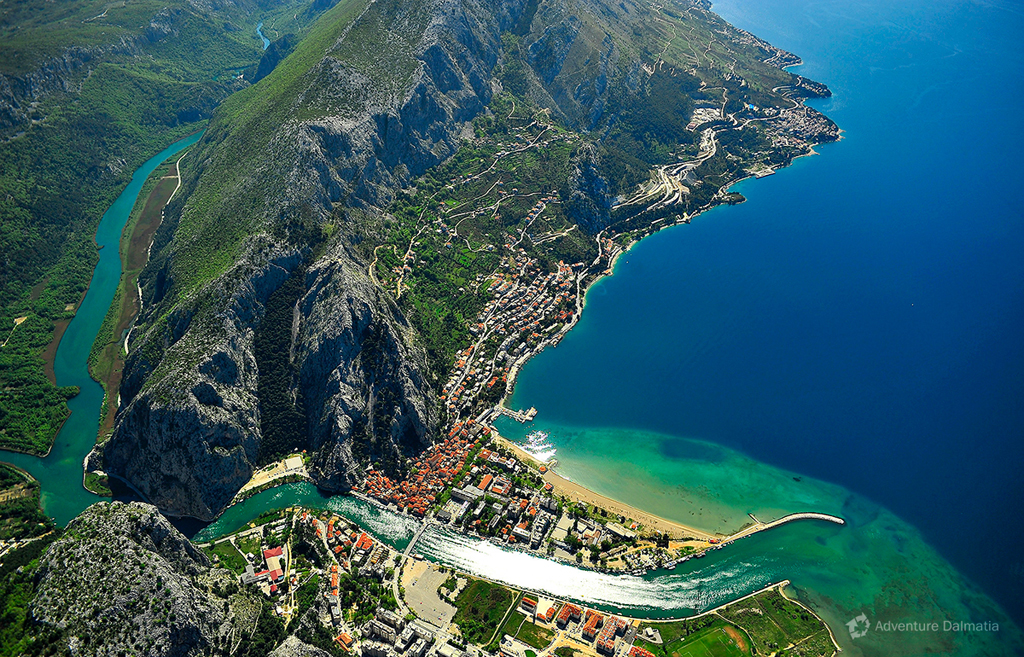 Omiš city and the mouth of Cetina river.