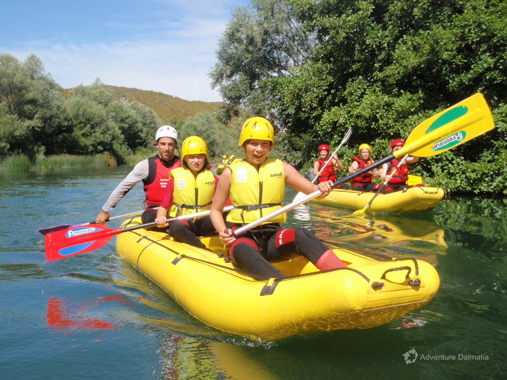 Easy learning how to steer on Cetina river