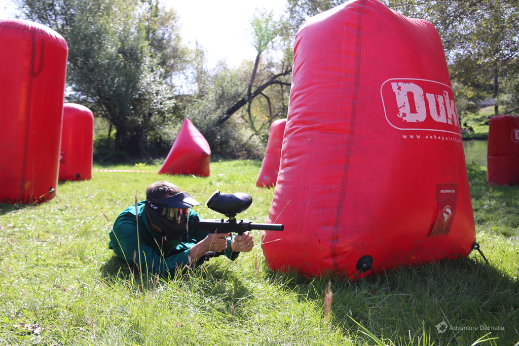 Finding a good position  in paintball