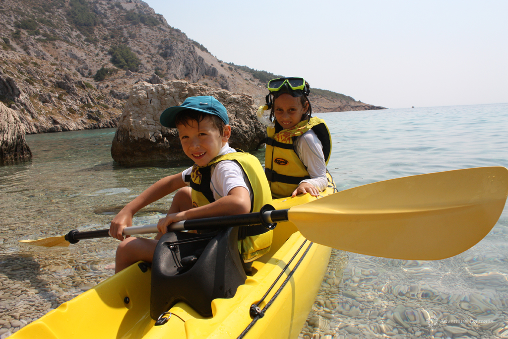 Sea kayaking & Snorkeling activity in Brela can be adjusted for children