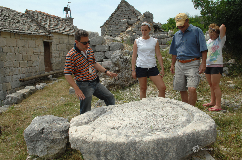 Sightseeing stone village on a Jeep safari tour near Split