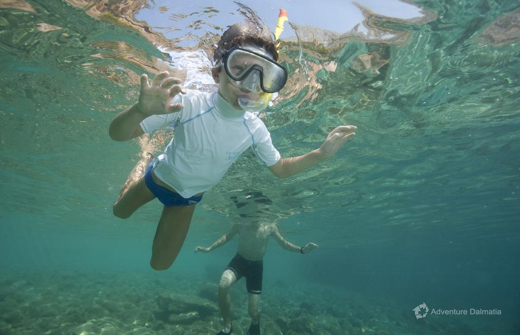 Snorkeling equipment included in price, Adventure Dalmatia kayaking tour in Brela