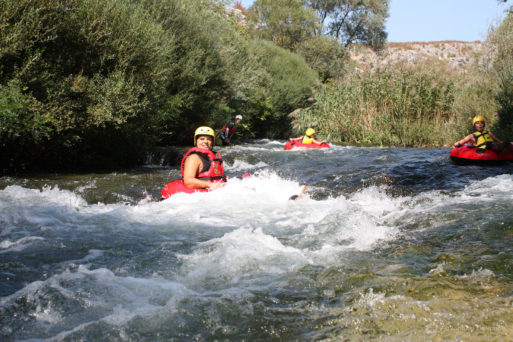 Steering through Cetina river
