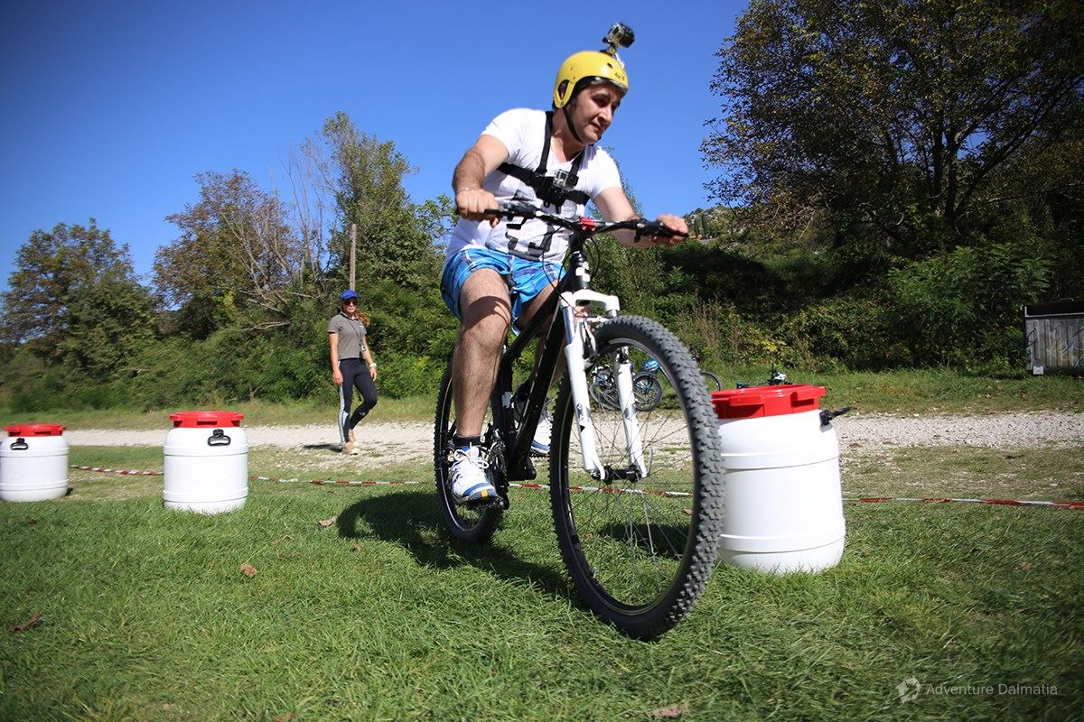 Team building games - Biking race