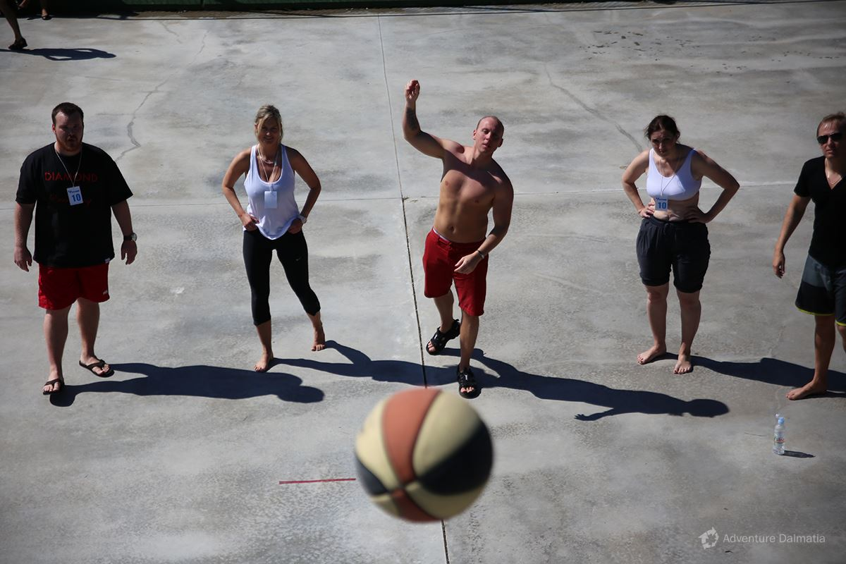 Team building games - Basketball competition