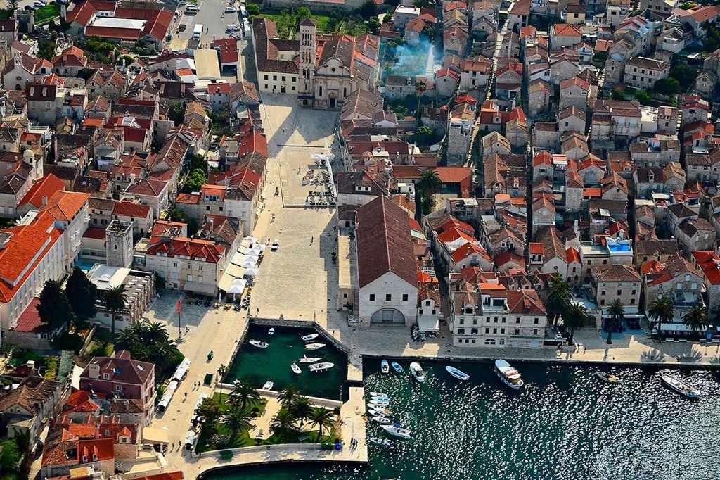 Hvar town. City square.