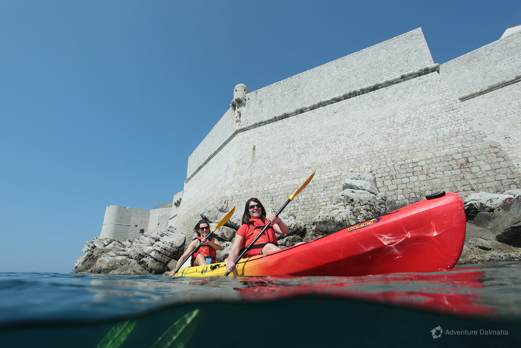 Kayaking around Dubrovnik city walls