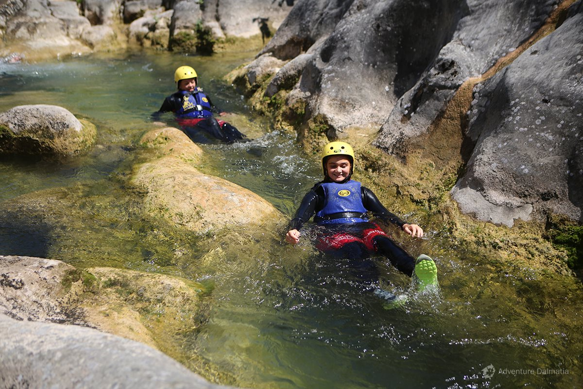 Floating through the Cetina river canyon