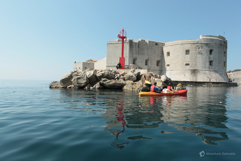 Kayaking around city walls