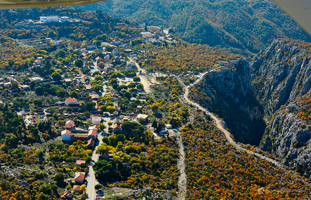 Zadvarje village is situated at the edge of Cetina river canyon.