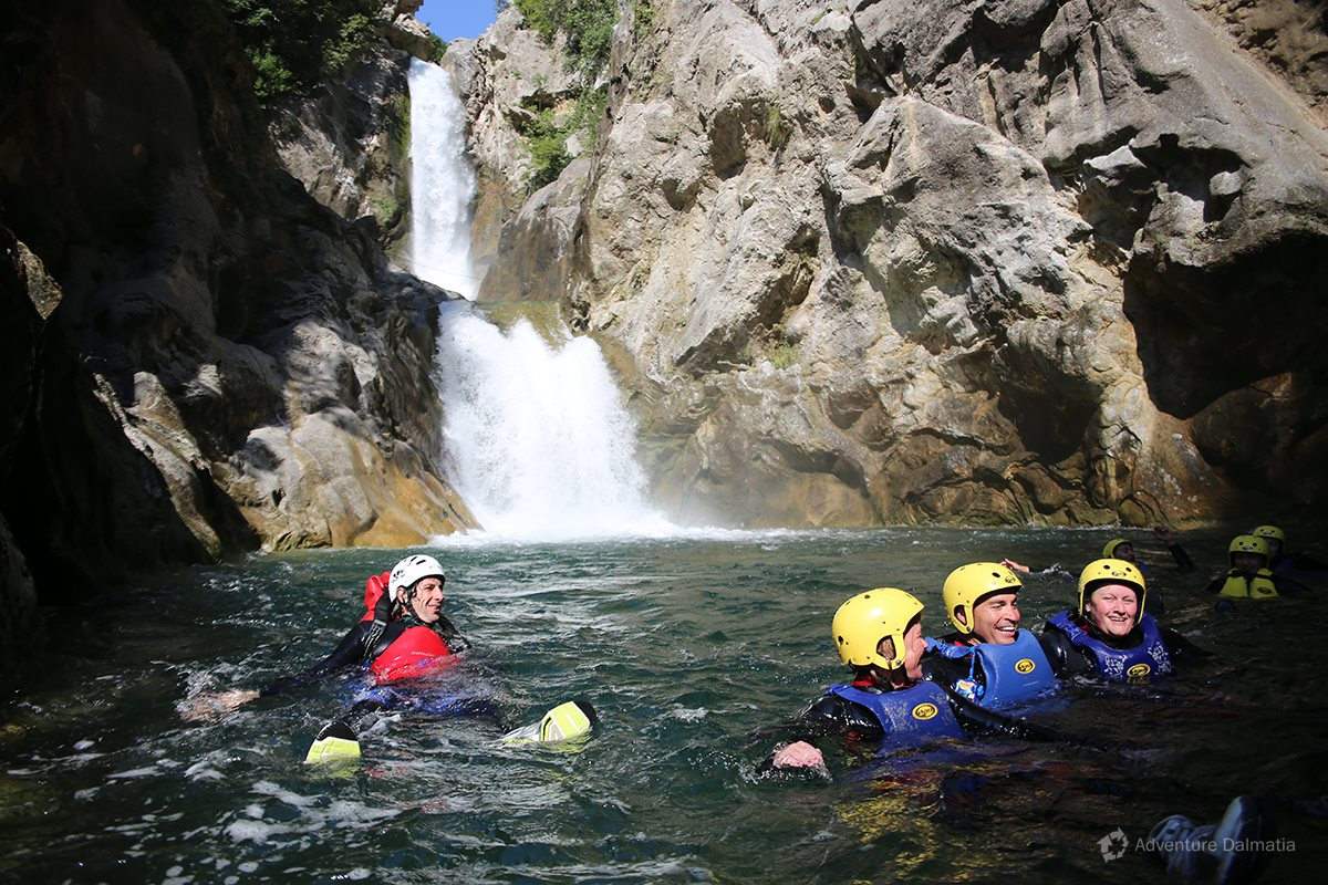 Short break in the lake below the Velika Gubavica waterfall