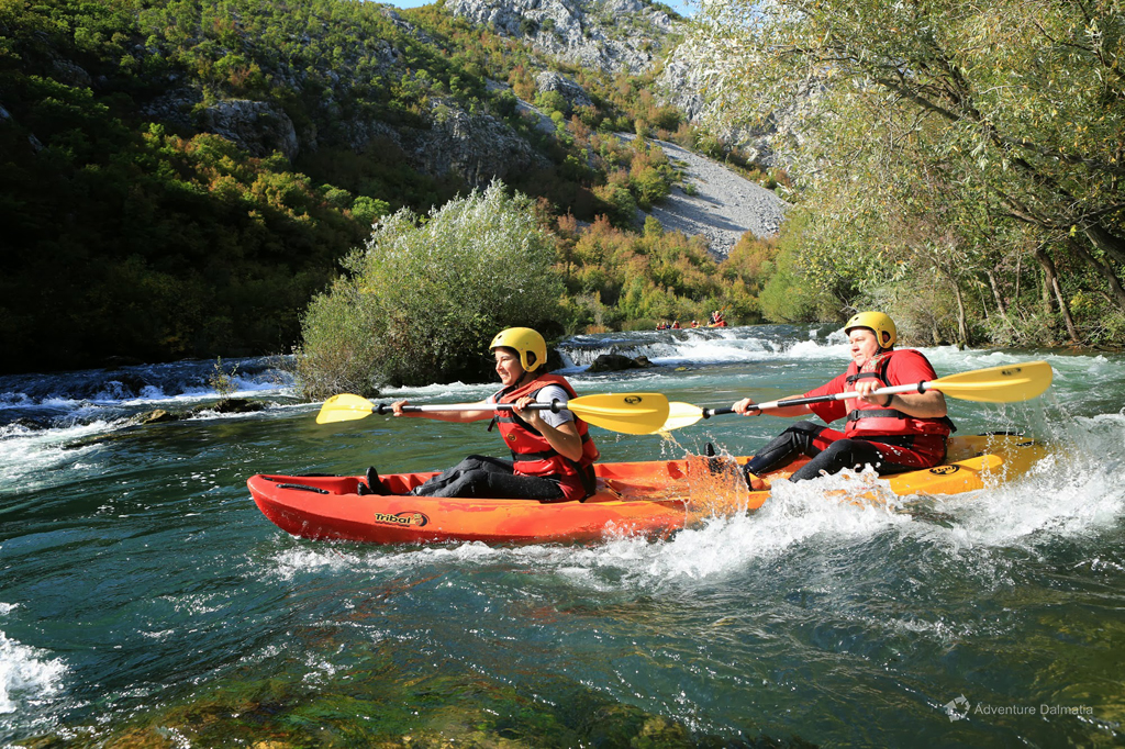 Canoe Safari on Cetina River - the river moves you forwards