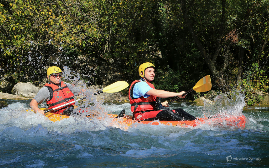 Canoe Safari on Cetina River - water splashing