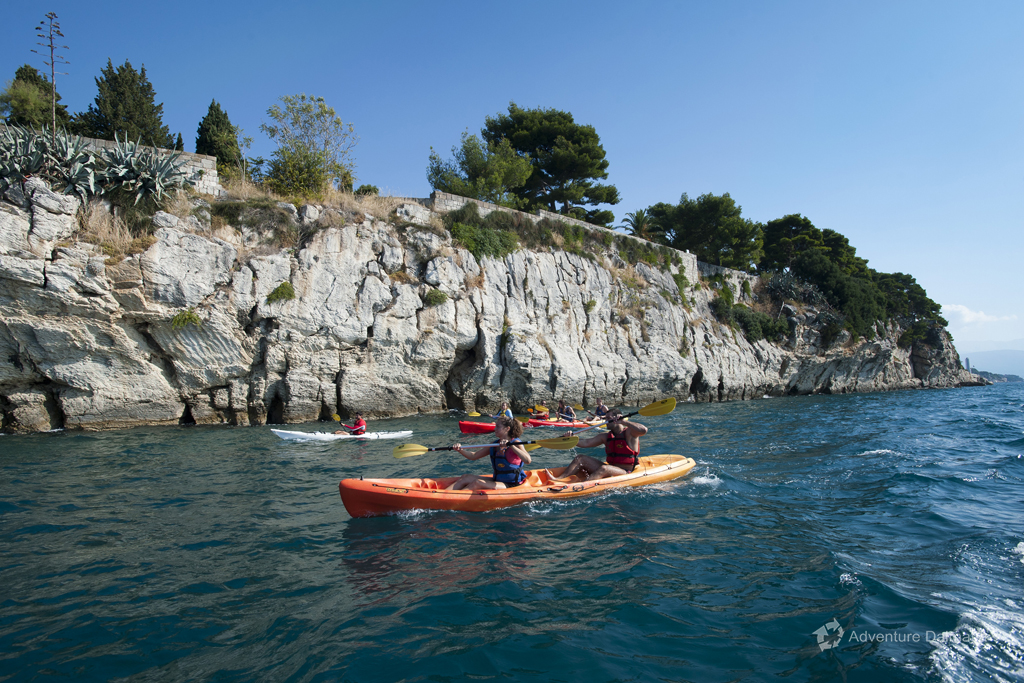 Clean water and beautiful scenery on a kayaking tour in Split
