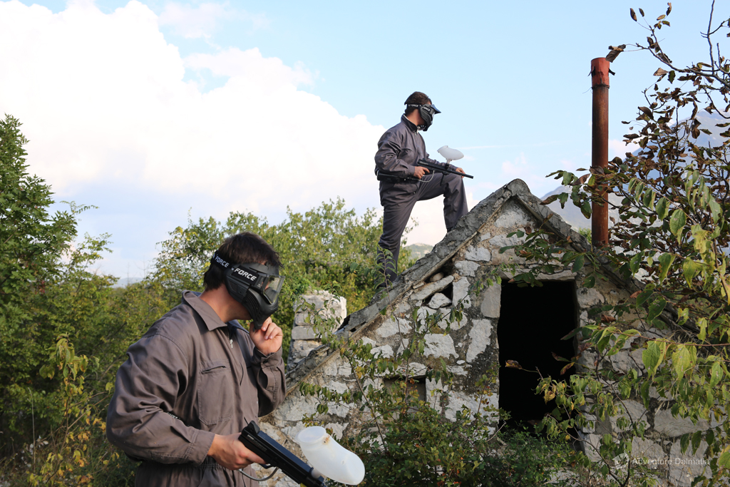 Great terrain for paintball, stone village with abbandoned houses, 45min from Split