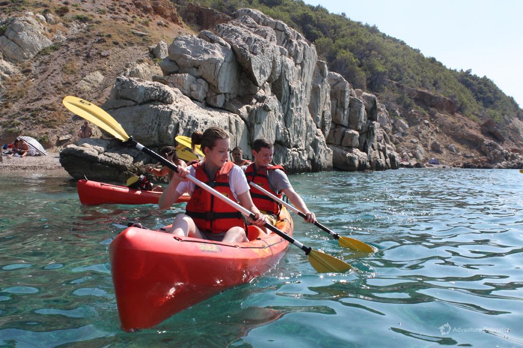 Harmonized paddling in Brela, 50min from Split
