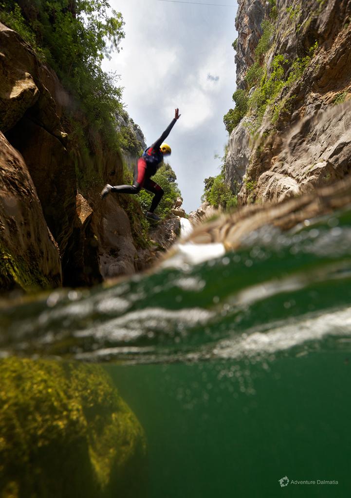Jumping from the cliff near Velika Gubavica (optional)