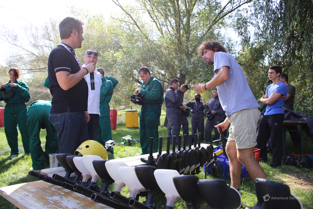 Our guide preparing and giving the equipment to teams, Cetina river