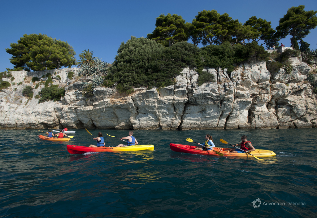 Sit on top kayaks on a kayaking tour in Split