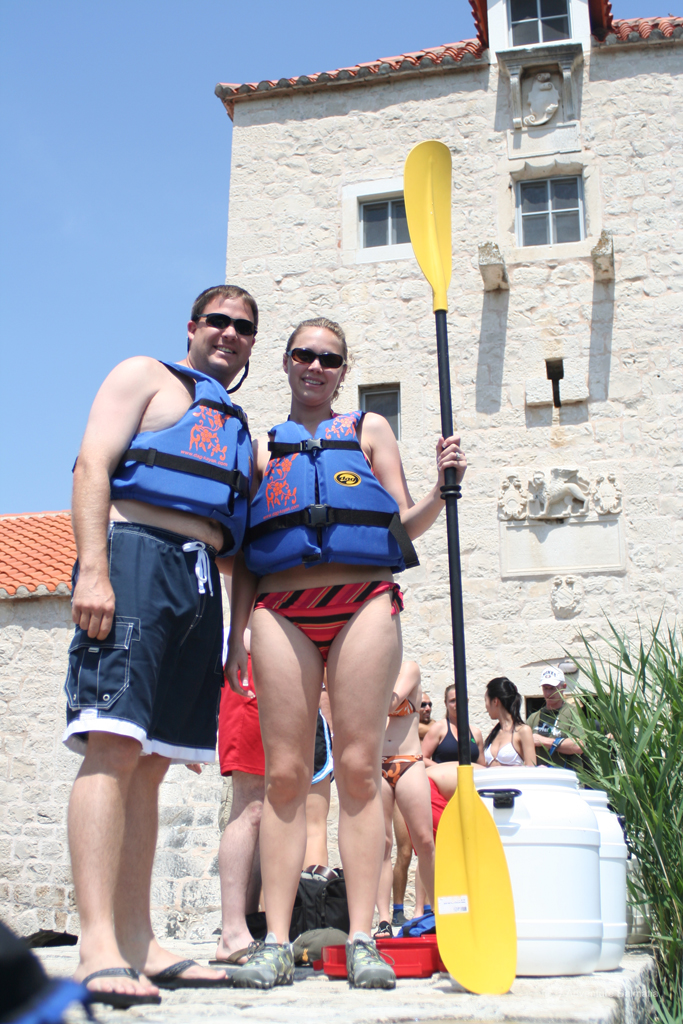 Taking equipment at the beginning of the kayaking tour in old Pantana mill
