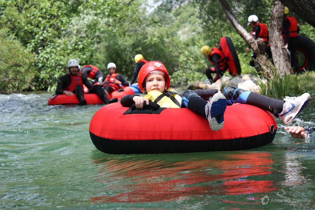 Beginning of the river tubing tour on Cetina near Split